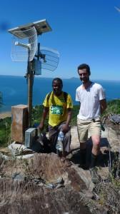 Xavier en haut de Nosy Komba avec Telma